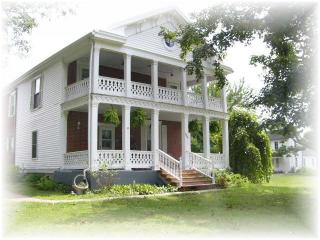small town on the Missouri River Vacation Rental