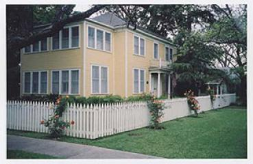 Historic Hyde Park Vacation Rental